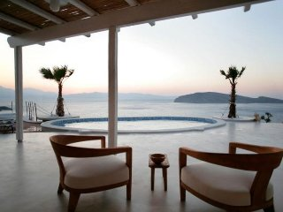 Villa Achilleas Architecturally designed Cycladic style villa