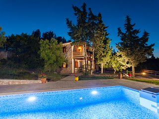 Liuba Houses - Agathi Maisonette with Private Pool