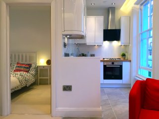 Chic Notting Hill Apartment