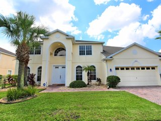 Spacious 6 bedroom 5 bath Highlands Reserve home 7 miles to Disney from $208nt
