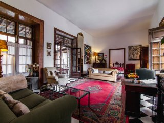 TAMARIND APARTMENT in an OLD MERCHANT PALACE !