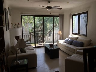 Light-Filled Gated Condo w/Pool: Centro