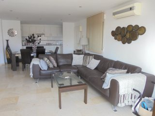 2 bedroom 2 bathroom Apartment walking distance Puerto Banus