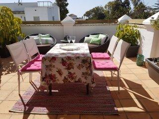 Apartamento-Suite con terraza, jardín y barbacoa