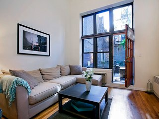 1 BR Duplex in NYC w/Outdoor Space