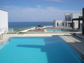Four bed Villa close to the sea with own pool