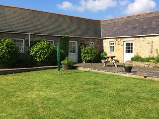 4 Glantraeth Farm Holiday Cottage