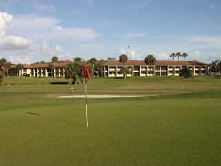 Lehigh Resort Club, FL: 1-BR, Sleeps 5, with Full Kitchen