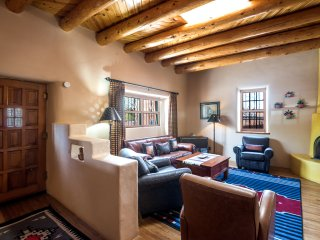 Two Casitas - Amor - Historic Adobe in the Heart of The Railyard and Downtown, Santa Fe