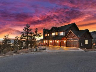 **THE MOST INCREDIBLE LAKE VIEWS IN BIG BEAR - NEW RENTAL**
