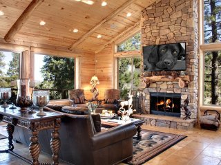 Custom, 6 Bedroom, Three Story Cabin, with 3 Large Lake View Decks, Movie Room