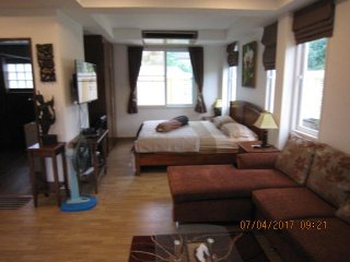Zimmer mit Terrasse 70 qm  und kostenloses  Internet