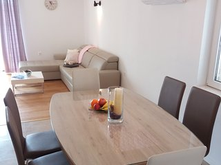 Apartment for 5 near Split and Trogir- amazing offer in September