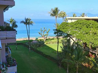 Double size wrap around Lanai + Oceanview Ka'anapali Beach + Updated Kitchen