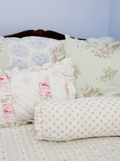 Bed detail