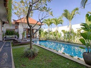 FREE CHEF - 1 bedroom at Umalas Retreat - with pool