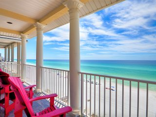917:BEACH FRONT W/ ELEVATOR NEAR ENTERTAINMENT & MORE!