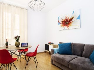 Contemporary 2-Bedroom Flat in Central Rome
