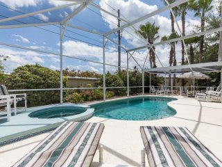 Superb spacious private pool home, 5 minutes to Disney