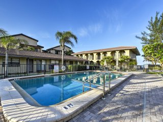 NEW! 1BR Manasota Key Condo Steps From the Beach!