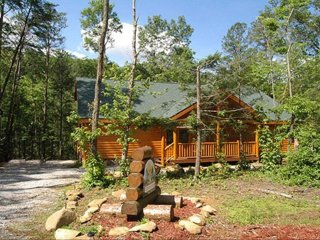 Splash Mountain Inn, Cabin with Heated Indoor Swimming Pool, Theater & Game Room