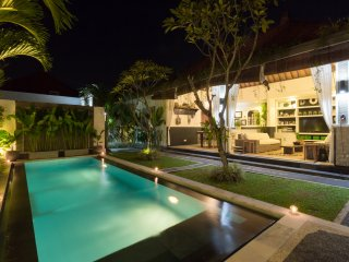 FREE CHEF - Umalas Retreat 2, (2 bed villa), Seminyak