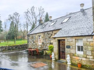 BURNSIDE COTTAGE grounds of Cloncaird Castle, good touring base in Maybole, Ref