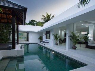 Amadu II - Stunning 2 bedroom contemporary Villa - Double Six location