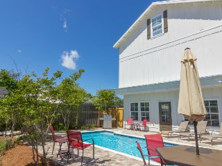 BRAND NEW!! Private Pool & Free Golf Cart