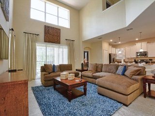 5 Bedroom 5 Bath Pool Home with 5 Big Beds in Paradise Palms Resort. 8808BAM
