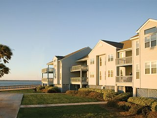See natural Carolina beauty at Wyndham Ocean Ridge, Isola Edisto