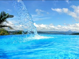 1B/1B POOL /SPECTACULAR LAKE ARENAL VIEWS!!