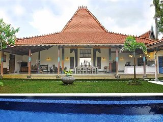 Traditional Javaness villa 3 BR with private pool and great ambiance Canggu Bali