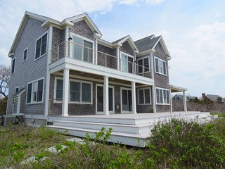 Custom Waterfront Home with Guest House (linens included): 075-E