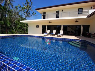 ' SECLUDED LUXURY 3 BR POOL VILLA - SLEEPS UP TO 8 - FREE AIRPORT TRANSFERS '