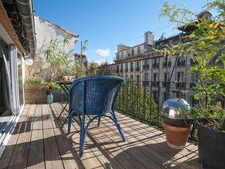 Grande terrasse, calme & central, Bd Longchamp