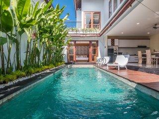 Villa Lotus, Luxury 2 bedrooms pool villa with billyard, Kedonganan