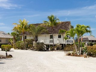 Direct beach front private home in South Seas Island Resort Beach Home 29, isla de Captiva