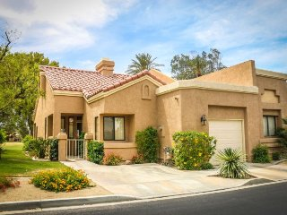 Unit #16-21 Spacious and Comfortable!, Palm Desert