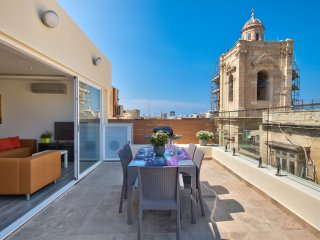 Valletta Harbour Views Duplex Penthouse