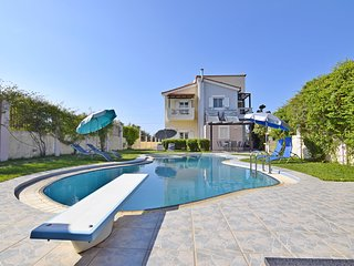 Villa Ifigeneia   with Spectacular Private pool, Acrotiri