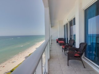 Oceanfront penthouse condo w/ shared pool and other resort amenities!