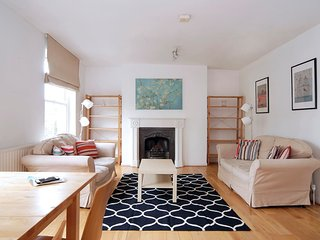 2 bed in hip and trendy Dalston!