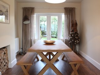 Cotswold Way House, Sleeps 5 (CWH)