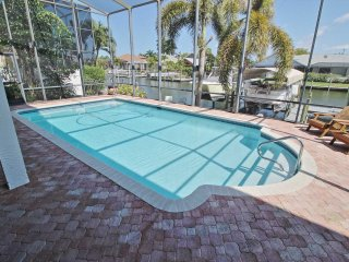 Villa Aarte - Vacation Rental - Cape Coral