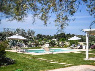 Villa Tiziana – modern and luxury holiday house with private pool and garden