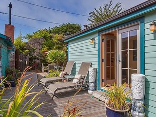 Charming updated casita just one block from the beach.