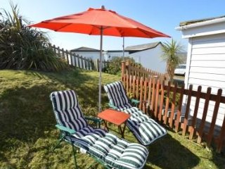 Beachside luxury Chalet with spectacular panoramic Coastal Views. Free parking