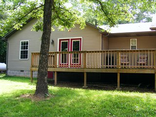 White River Retreat & RV Pad, Near Cotter, Lake Bull Shoals & Crooked Creek