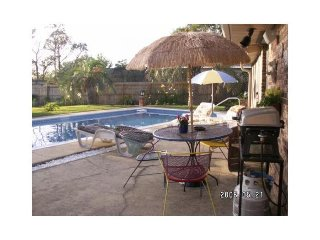Poolside Paradise/ single beds/ shared property